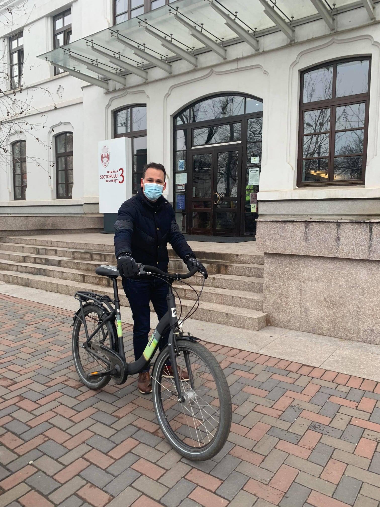 """Primarul Sectorului 3, Robert Sorin Negoiță, susține campania """"Vinerea Verde"""""""