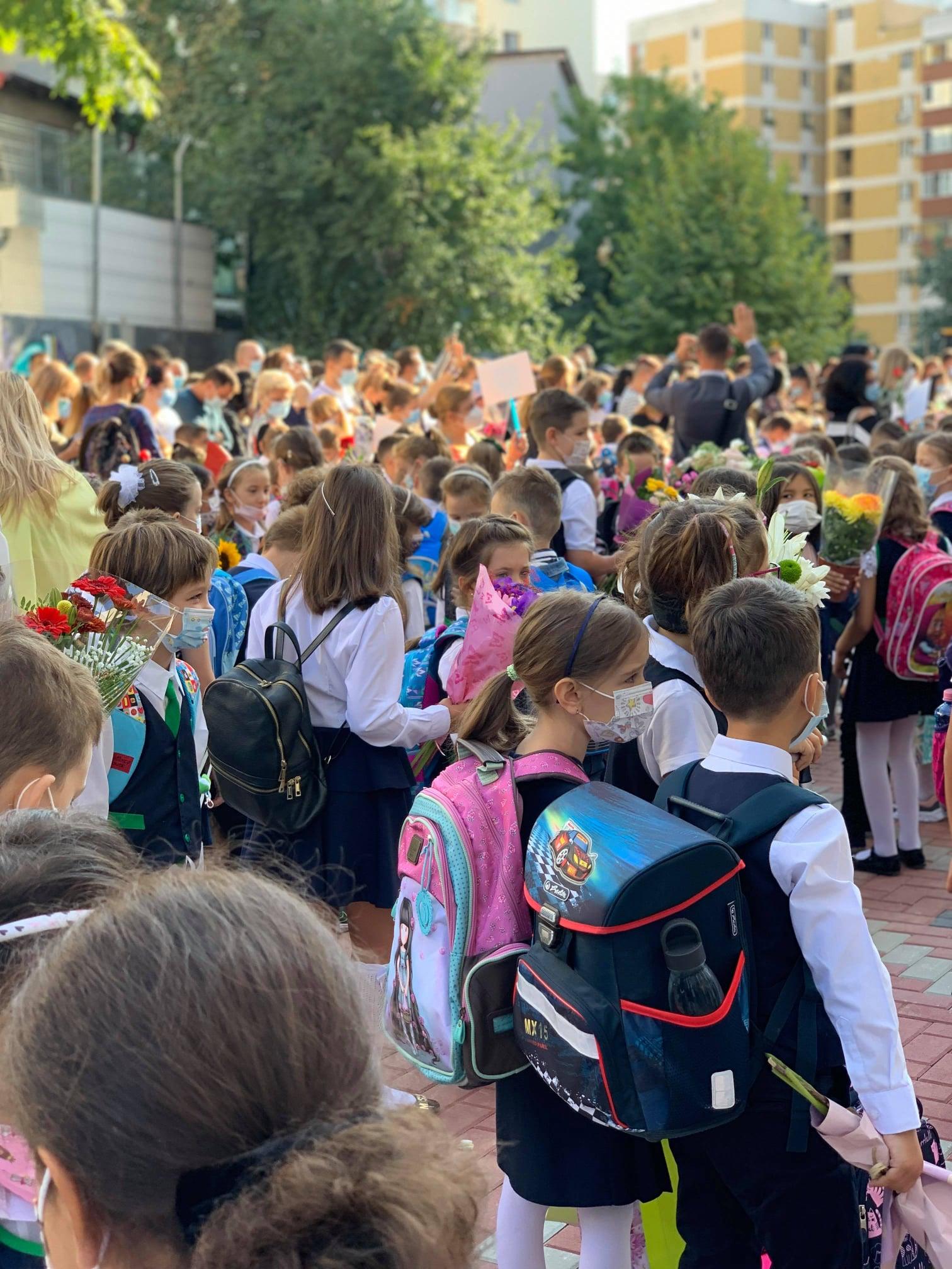 Primarul Robert Negoiță a deschis noul an școlar  la Școala Gimnazială nr. 81